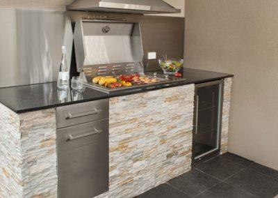 Heatlie-Outdoor-Kitchen-2-600x380