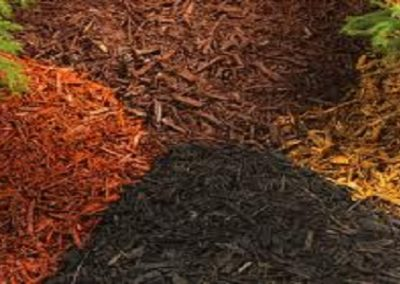Natural coloured organic mulch for gardens