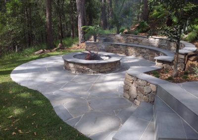 Bluestone paving in flagstones of crazy paving