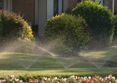 Pop up sprinkler system for lawns